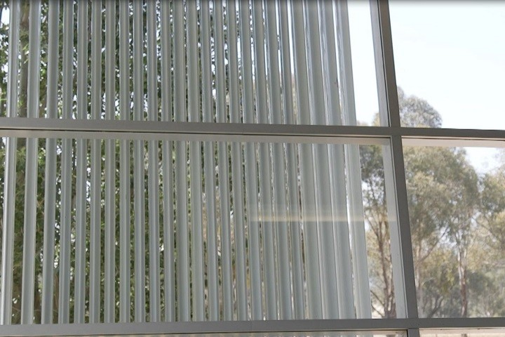 Retrac Louvres Wall Inside